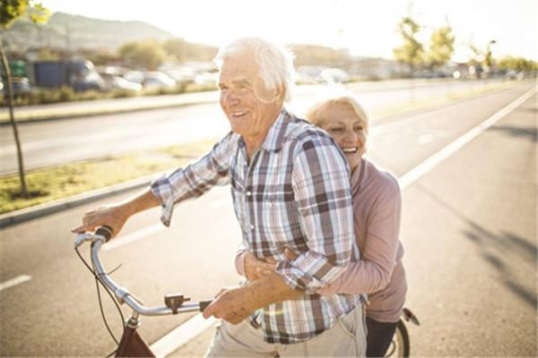 老人退休后做什么好?