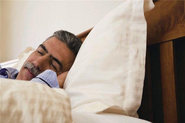 为什么老年人会嗜睡?老人嗜睡的原因?