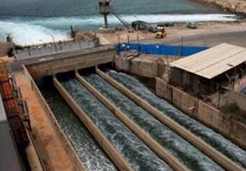 """通讯:海水淡化滋润""""干渴""""以色列——走进以色列海水淡化厂"""