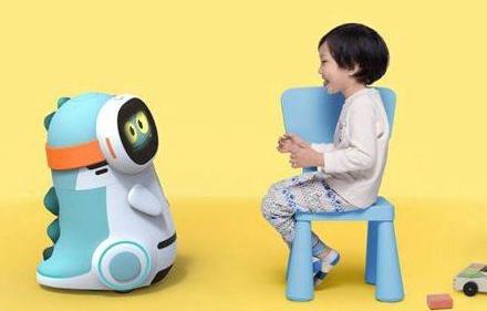 """王不凡:用""""爱""""为儿童机器人赋能"""