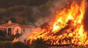 加州山火后续:留学生入住免费公寓 感激同胞援助