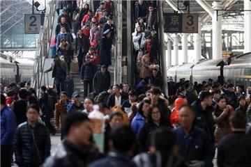 中国春运铁路发送旅客突破1亿人次