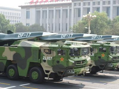"""中國軍隊""""明星""""裝備亮相國慶閱兵"""