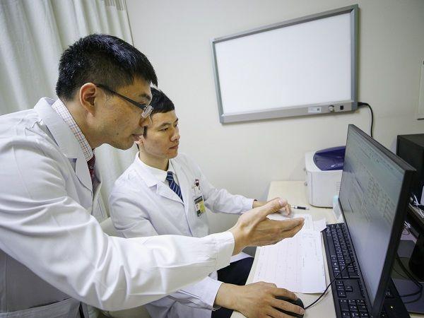 """2万余医药卫生岗位""""虚位以待"""" 儿科、护理、麻醉等紧缺专业成热门"""
