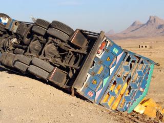 一根柱子2年零3个月被撞54次,大数据揭示车险骗保有多疯狂!