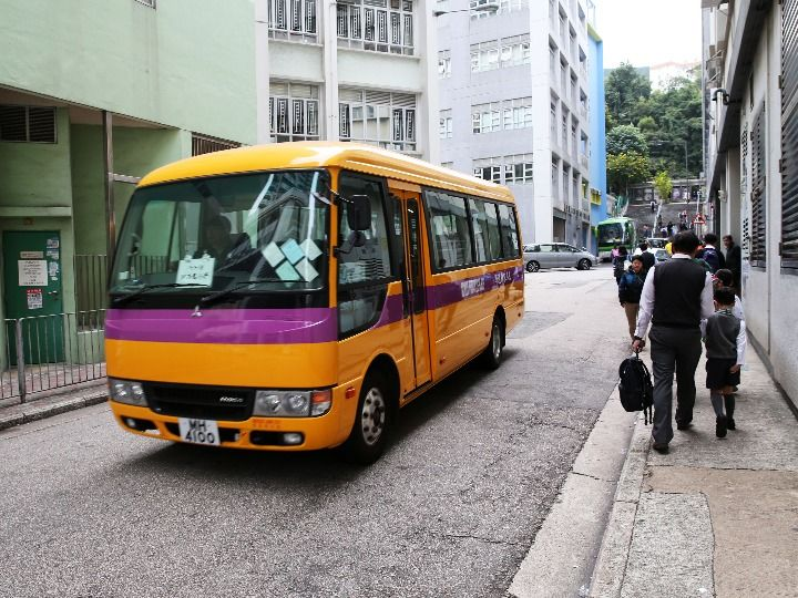 香港警方:理大校园内检获逾600枚汽油弹、20瓶浓硫酸
