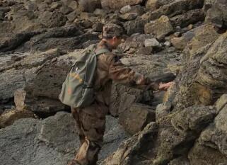 """巡护海岛26年!他被称为守护军用土地的""""活地图"""""""