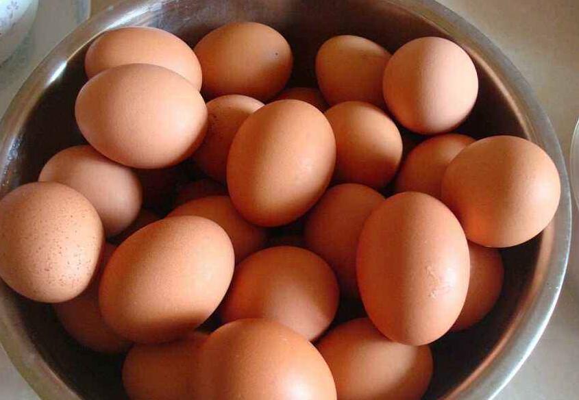 2500年前古墓挖出一罐鸡蛋 大部分完好无损