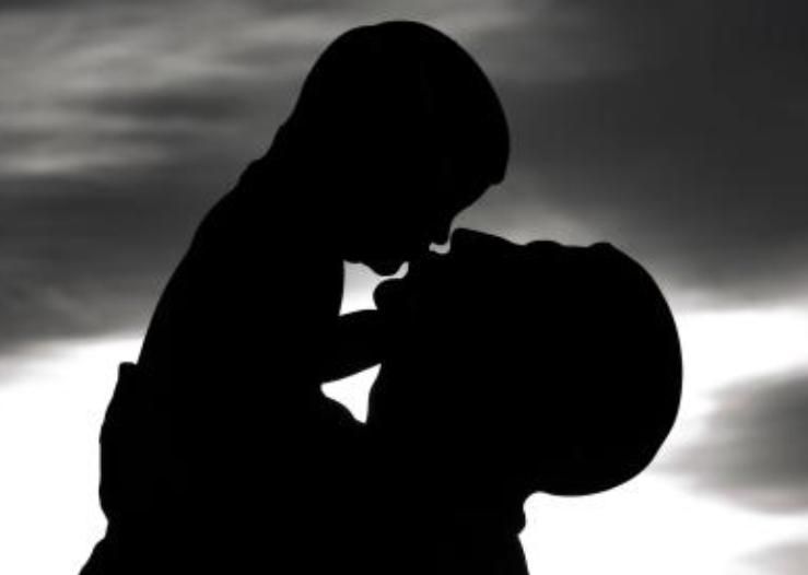 高龄父亲风险多? 男性生育的最佳年龄界限在哪里?