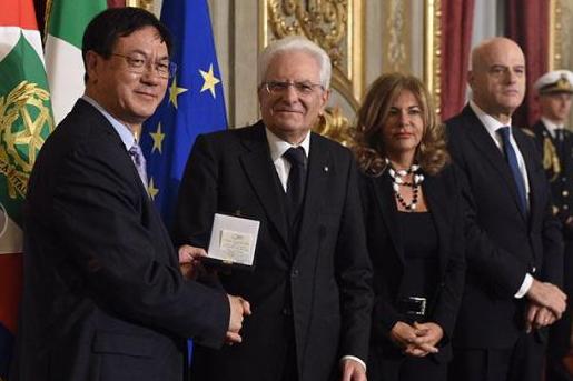 华人科学家首次获得爱因斯坦世界科学奖