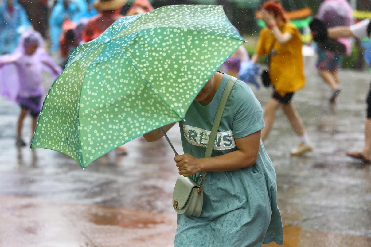 """第5号台风""""丹娜丝""""生成 将影响中国东南沿海"""