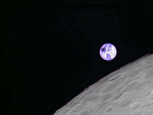 """""""龍江二號""""衛星帶你從月球看日食"""