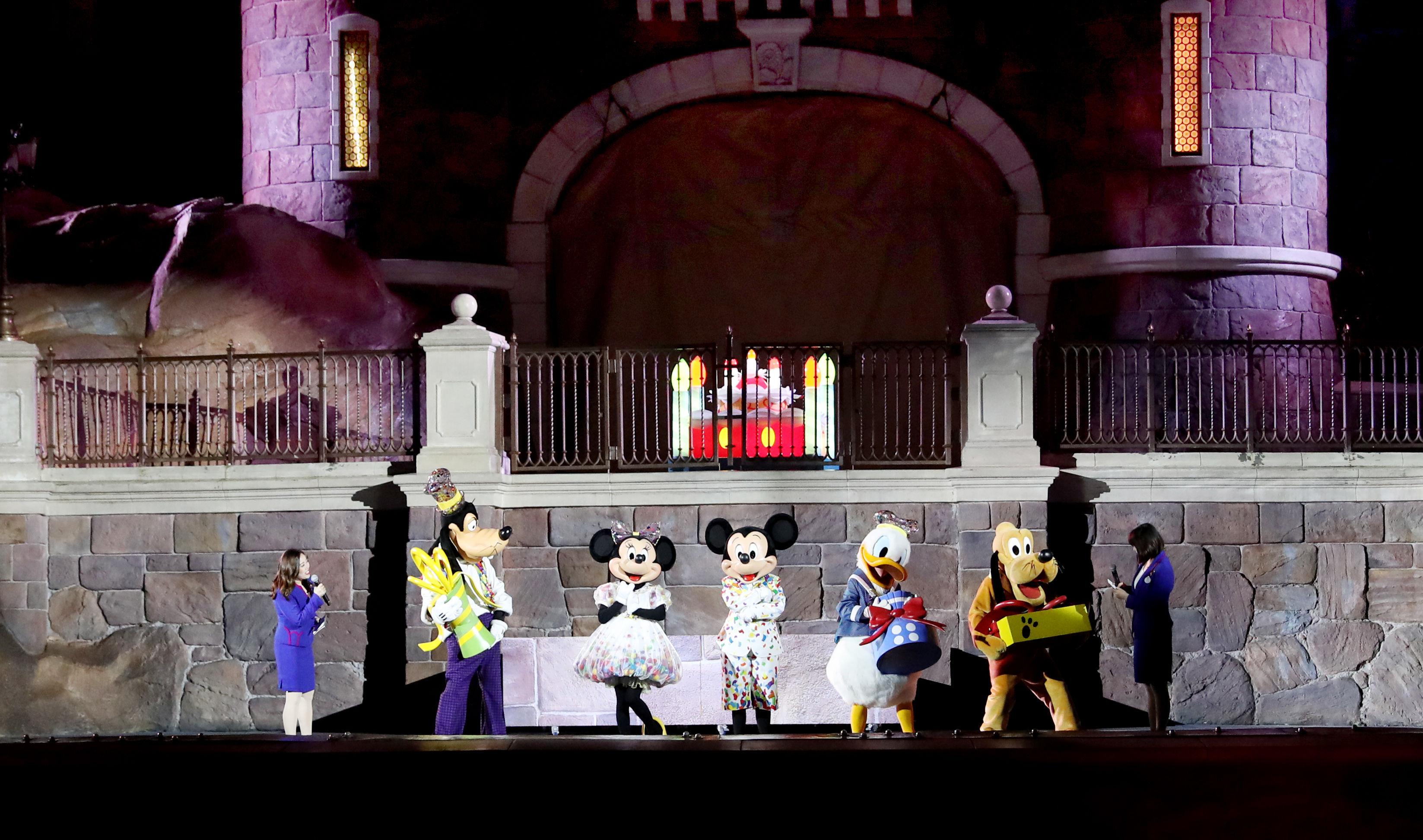 上海迪士尼乐园松口了!游客可携带自用食品入园