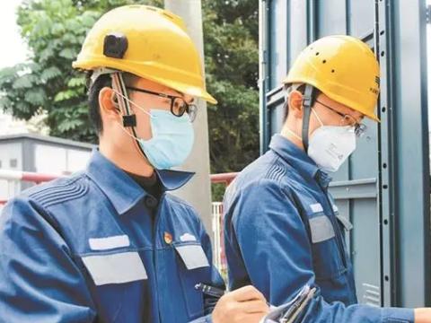 """深圳:战疫""""大考""""中城市有序高效运行"""