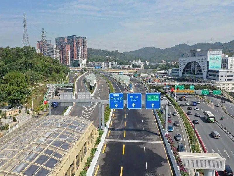 王伟中:以先行示范标准推进交通基础设施项目建设