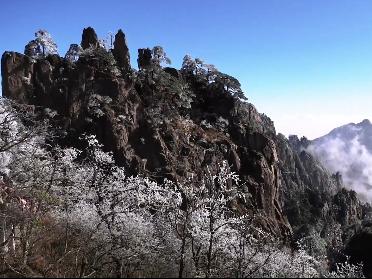 安徽黄山风景区临时关闭西海大峡谷、莲花峰